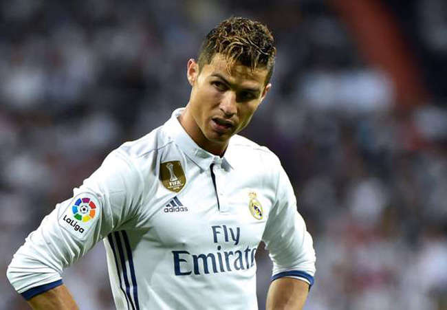 Ronaldo không thể thi đấu hết trận này đến trận khác như thời hoàng kim của anh
