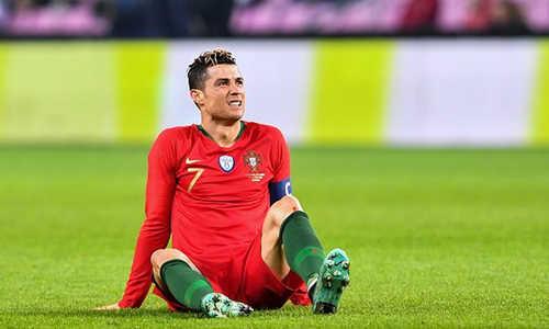 Ronaldo không thể tung ra một cú sút nào trong trận thua trước Hà Lan