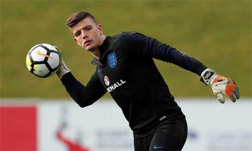 Vì sao Nick Pope lại gây sốt khi được triệu tập vào đội tuyển Anh?