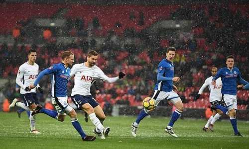 Tottenham đại thắng trận đá lại Cup FA