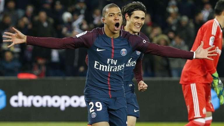 Không cần Neymar, PSG vẫn sống khỏe cùng Cavani và Mbappe