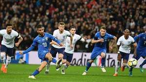 Anh - Italia: Bất phân thắng bại