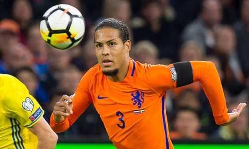 Trung vệ đội trưởng Hà Lan có giá 100 triệu đô la