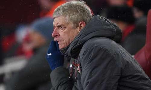 Wenger bất lực trên ghế chỉ đạo trong trận thua 0-3 trước Man City