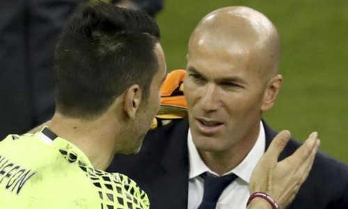 Zidane và Buffon có rất nhiều những cuộc đối đầu duyên nợ trên sân cỏ
