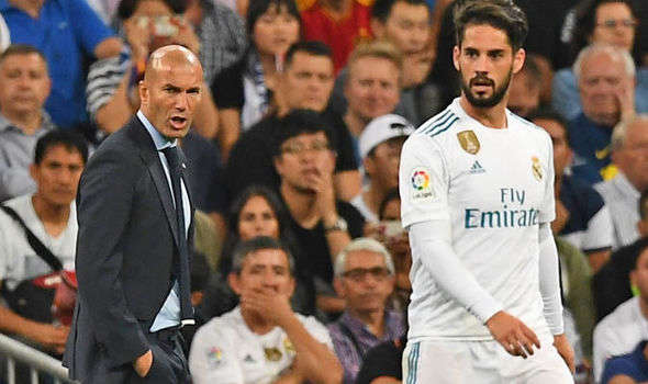 Zidane bực Isco vẫn nuốt giận vào trong