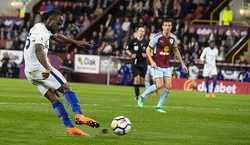 Victor Moses rực sáng, Chelsea giành trọn 3 điểm trước Burnley