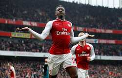 Danny Welbeck tỏa sáng , Arsenal thắng nghẹt thở trên sân nhà