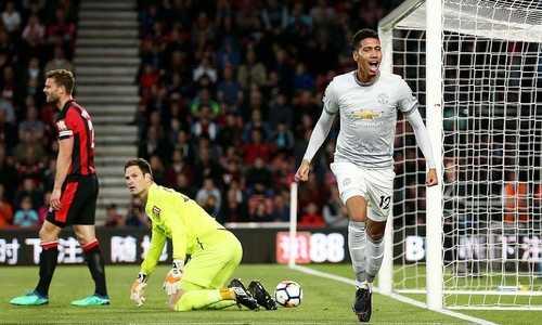 Lukaku tỏa sáng, Man Utd giữ vững ngôi nhì bảng