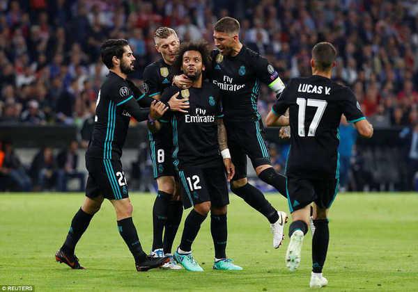 Thắng Bayern, Real và Ronaldo thiết lập kỷ lục mới