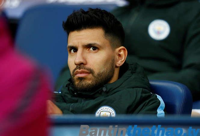 Aguero sẽ đến Barca vào năm sau