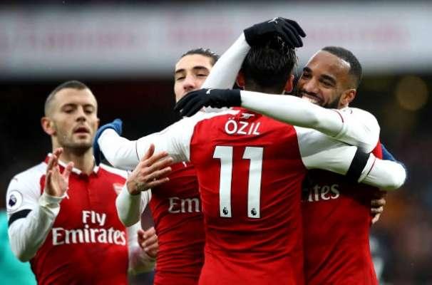 Arsenal sẽ là đội đi tiếp vào vòng trong sau đêm nay?
