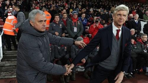 Quan hệ giữa Mourinho và Wenger đã ấm lên từ năm 2015.