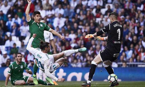 Đá đội hình 2, Real vẫn thắng dễ ở La Liga