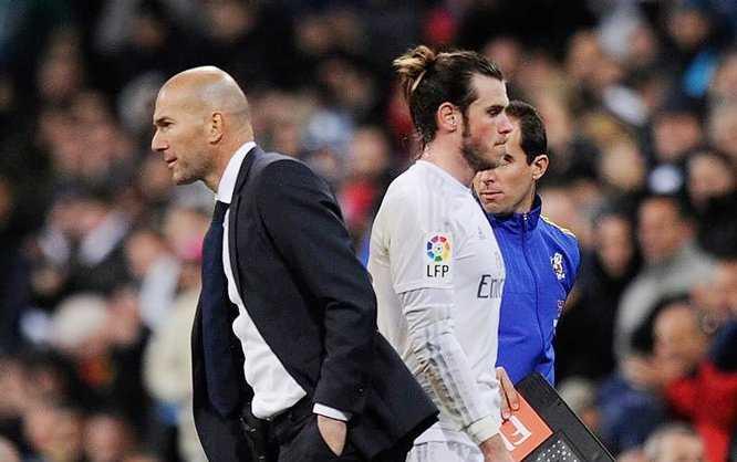 Bale không hài lòng khi bị Zidane thay ra trong trận đấu với Juventus