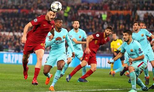Manolas thực hiện cú đánh đầu ghi bàn ấn định chiến thắng 3-0 cho Roma ở trận tứ kết lượt về.