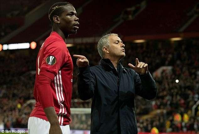 Mourinho bất ngờ lên tiếng bảo vệ Pogba