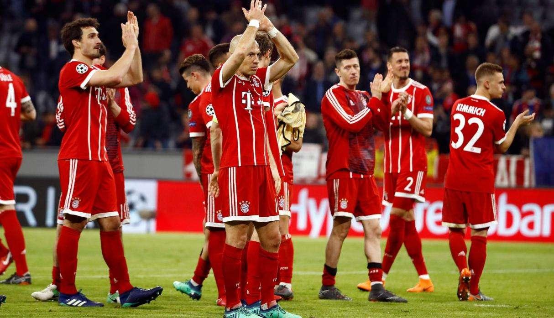 Bayern Munich trở về sân nhà ăn mừng chức vô địch Bundesliga mùa thứ 6 liên tiếp