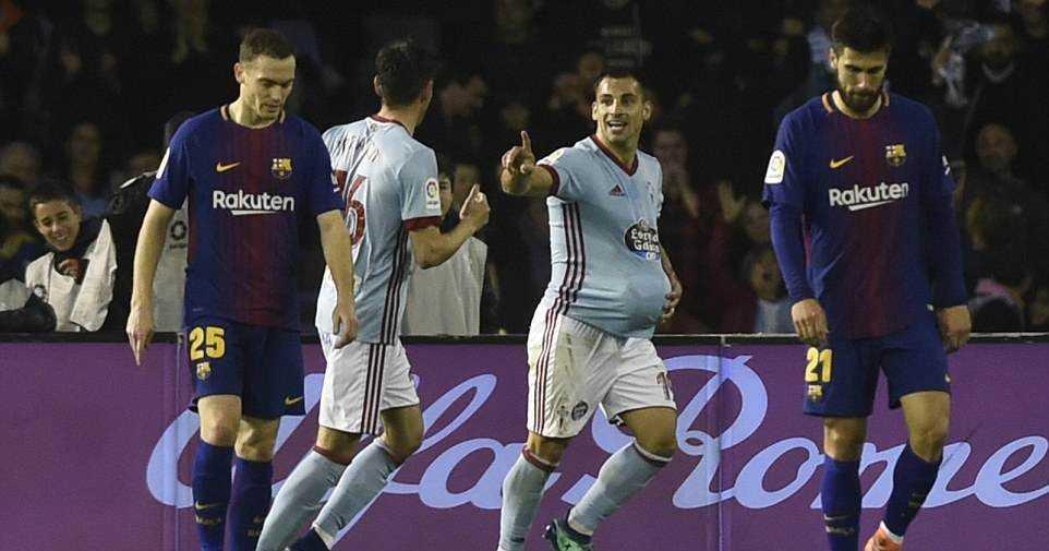 Công làm thủ phá, Barcelona đánh rơi chiến thắng