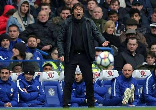 Conte bất lực nhìn Chelsea thất bại dưới tay Tottenham