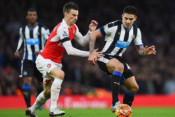 Arsenal vừa thua tại Newcastle
