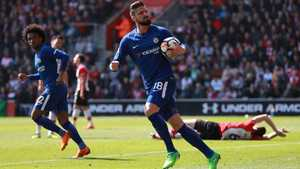 Giroud rực sáng, Chelsea ngược dòng ngoạn mục