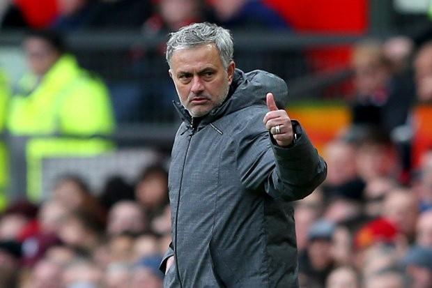HLV Mourinho sẽ được cấp thêm 200 triệu bảng để mua sắm