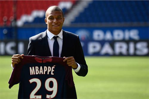 Mbappe có nguy cơ ra đi chỉ sau một năm chơi cho PSG.