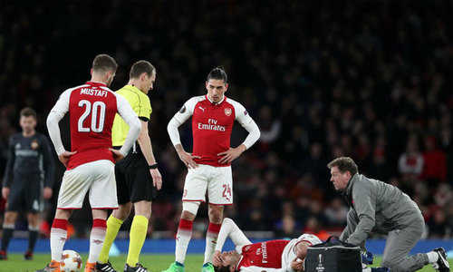 Arsenal nếm 'trái đắng'  sau trận thắng ở Europa League