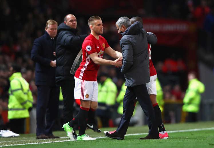 Mourinho chỉ điểm đích danh cầu thủ thay thế Luke Shaw