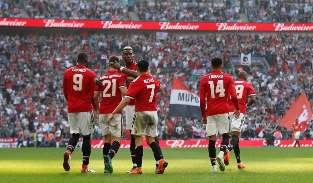 Mourinho 'chọn mặt gửi vàng', cân nhắc vị trí đội trưởng của MU