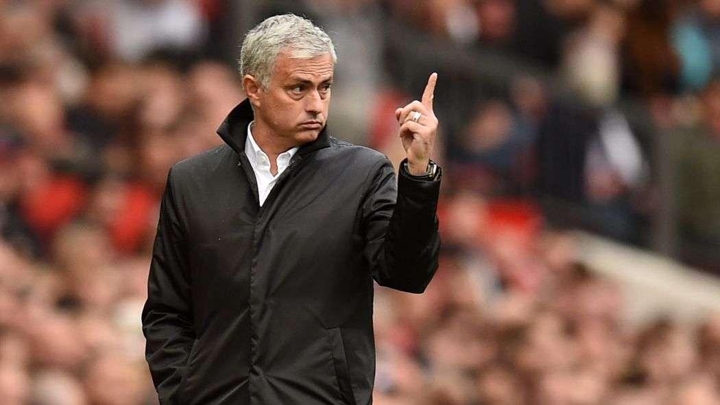 Mourinho chọn đội trưởng mới cho Man Utd.
