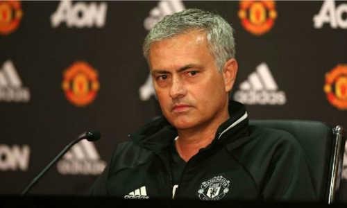 Bellamy: 'MU tuyệt vọng mới tìm tới Mourinho'