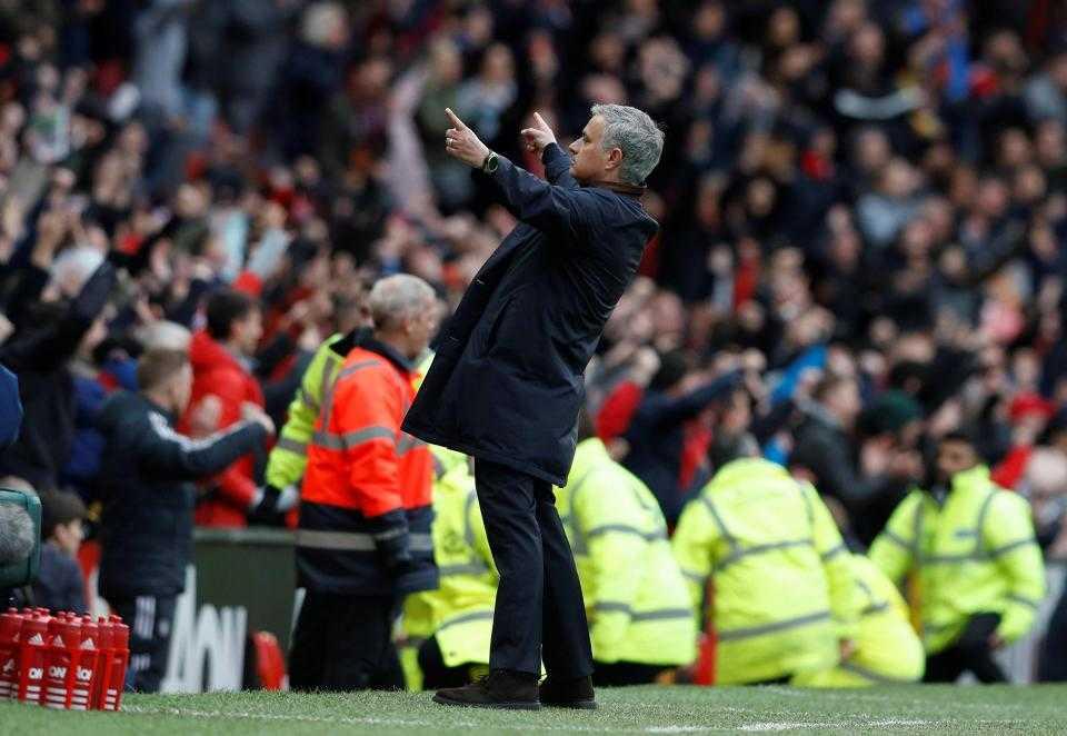 """HLV Mourinho: """"MU may mắn đánh bại Arsenal"""""""