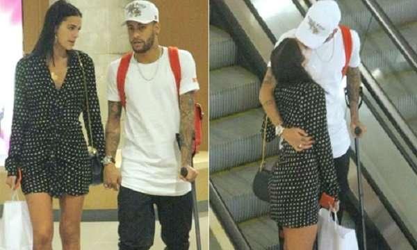 Neymar vui chơi cùng bạn gái ở quê nhà, từ chối trở lại PSG