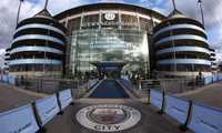 Man City cân nhắc dùng chung sân nhà với MU