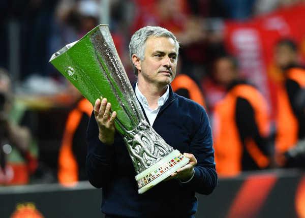"""HLV Mourinho: """"Lỗi của tôi là vô địch quá nhiều"""""""
