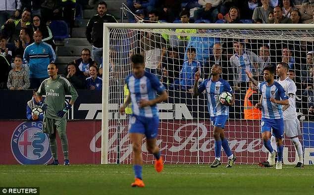 Rolan ghi bàn danh dự cho Malaga ở cuối trận
