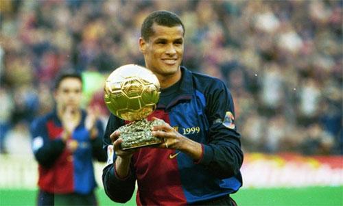 Rivaldo từng giành Quả Bóng Vàng và Cầu thủ hay nhất FIFA, sau khi giúp Barca giành La Ligamùa 1998-1999..