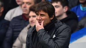 """Willian """"chọc giận"""" Conte, đòi ra đi"""