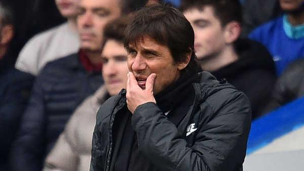 Cựu HLV Chelsea cho rằng Conte đang nóng lòng muốn ra đi