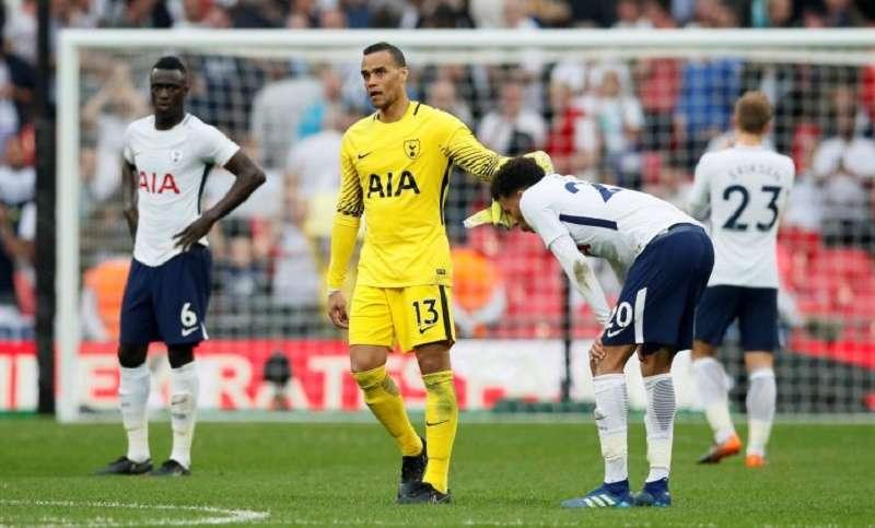 Tottenham vừa bị Man United loại khỏi FA Cup
