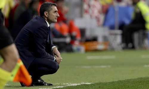 Mâu thuẫn với ban lãnh đạo, HLV Barca có thể ra đi