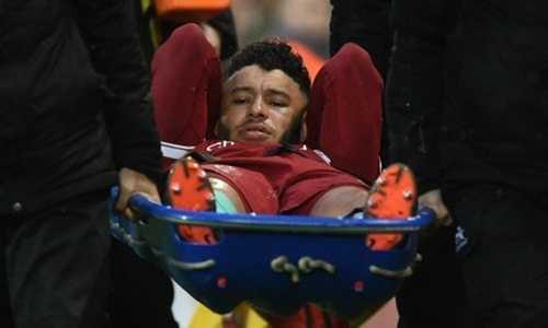 Chấn thương khi gặp Roma, Oxlade-Chamberlain bỏ lỡ World Cup