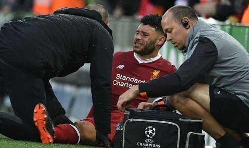 Nhân sự tuyến giữa của Liverpool bị thiếu hụt do Oxlade-Chamberlain bị chấn thương
