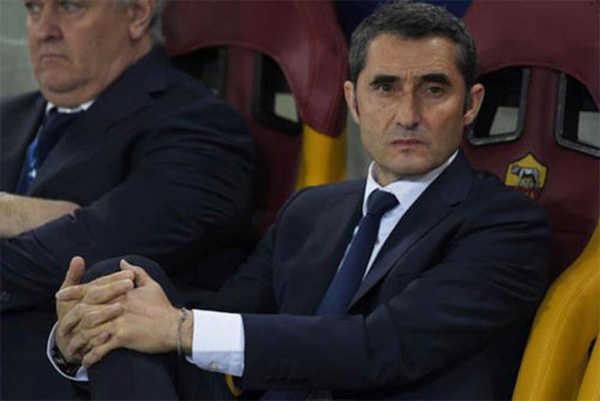 Valverde vẫn im lặng trước một số cầu thủ Barca công khai chỉ trích ông