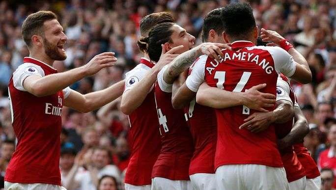 Arsenal có lợi thế sân nhà
