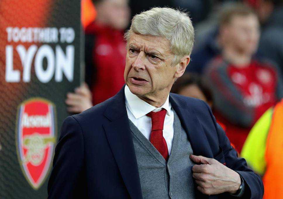 Arsenal ném bỏ cơ hội vào chung kết, Wenger ngao ngán