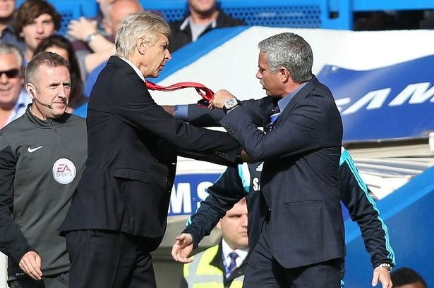 """Hai HLV Wenger và Mourinho là những """"kẻ thù không đội chung trời"""""""