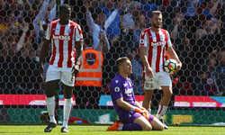 Stoke City xuống hạng sau 10 năm ở Ngoại hạng Anh